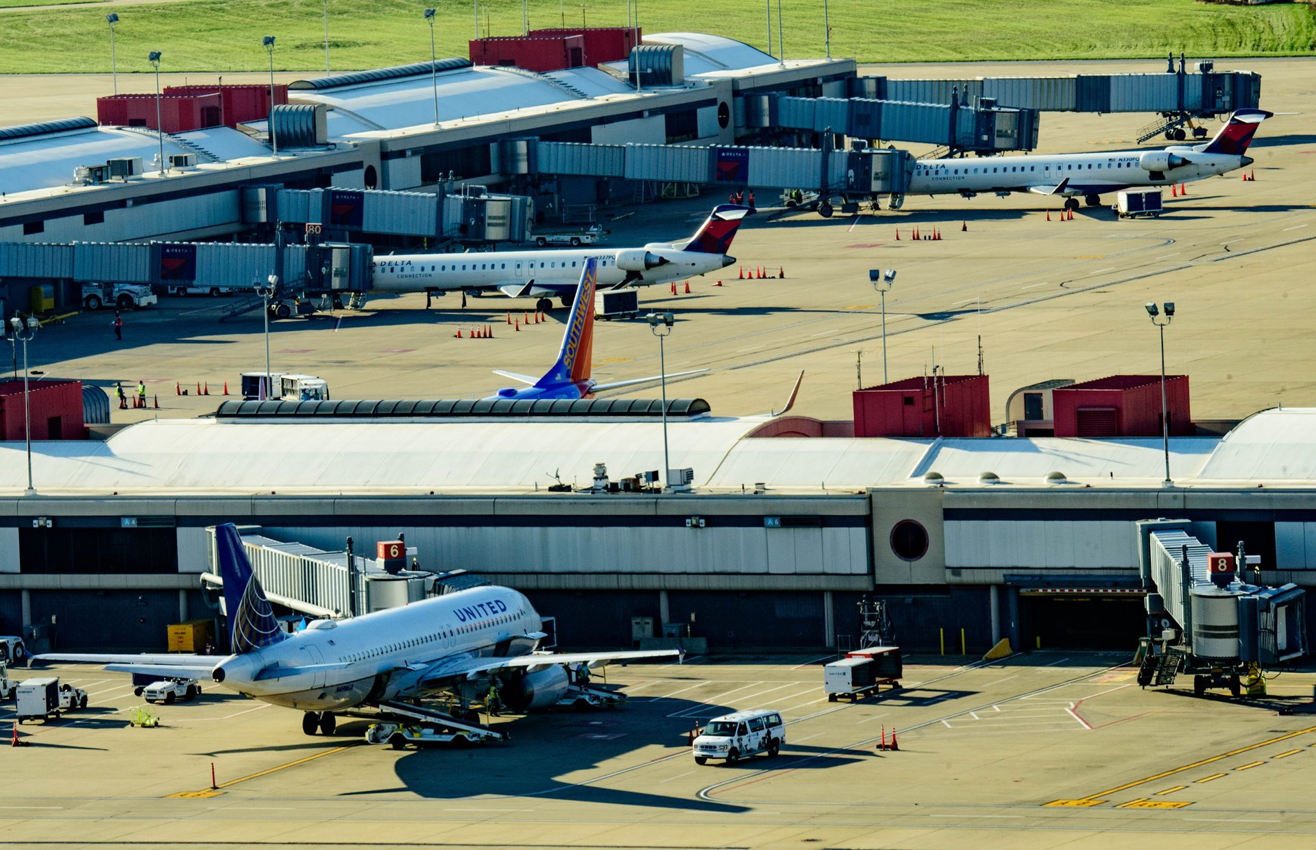 PASSENGER TRAFFIC AT PITTSBURGH INTERNATIONAL AIRPORT UP 8.2 PERCENT IN 2017